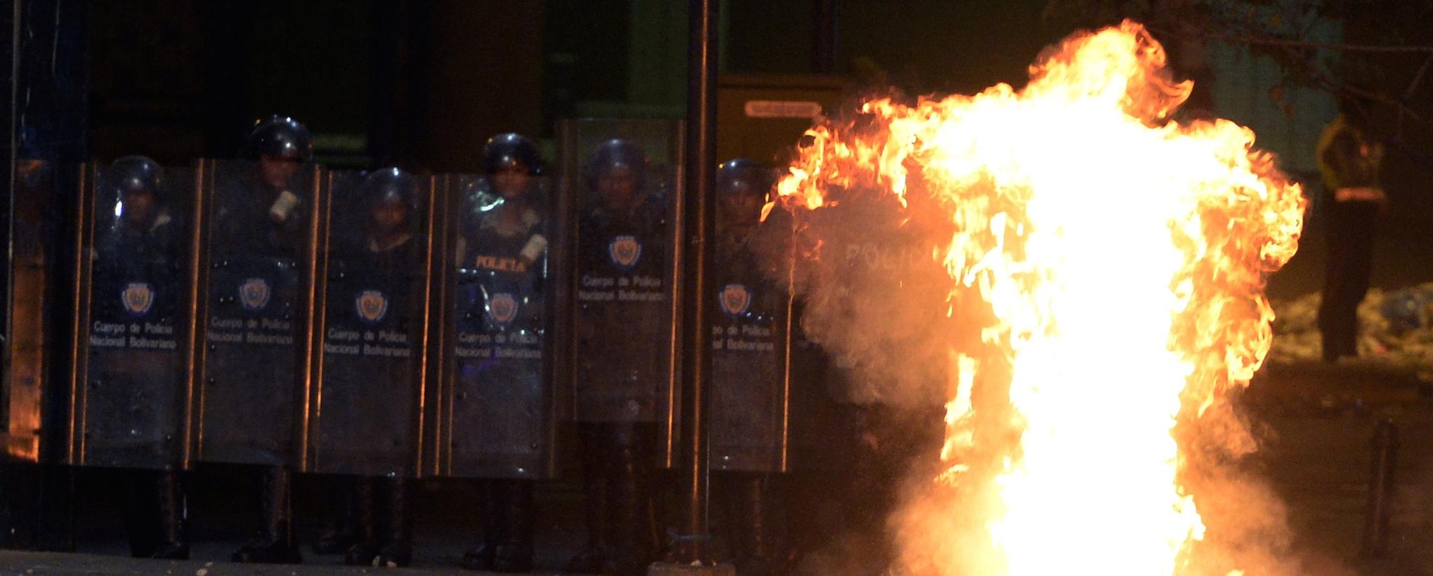 Venezuela_protest_extreme_cinema