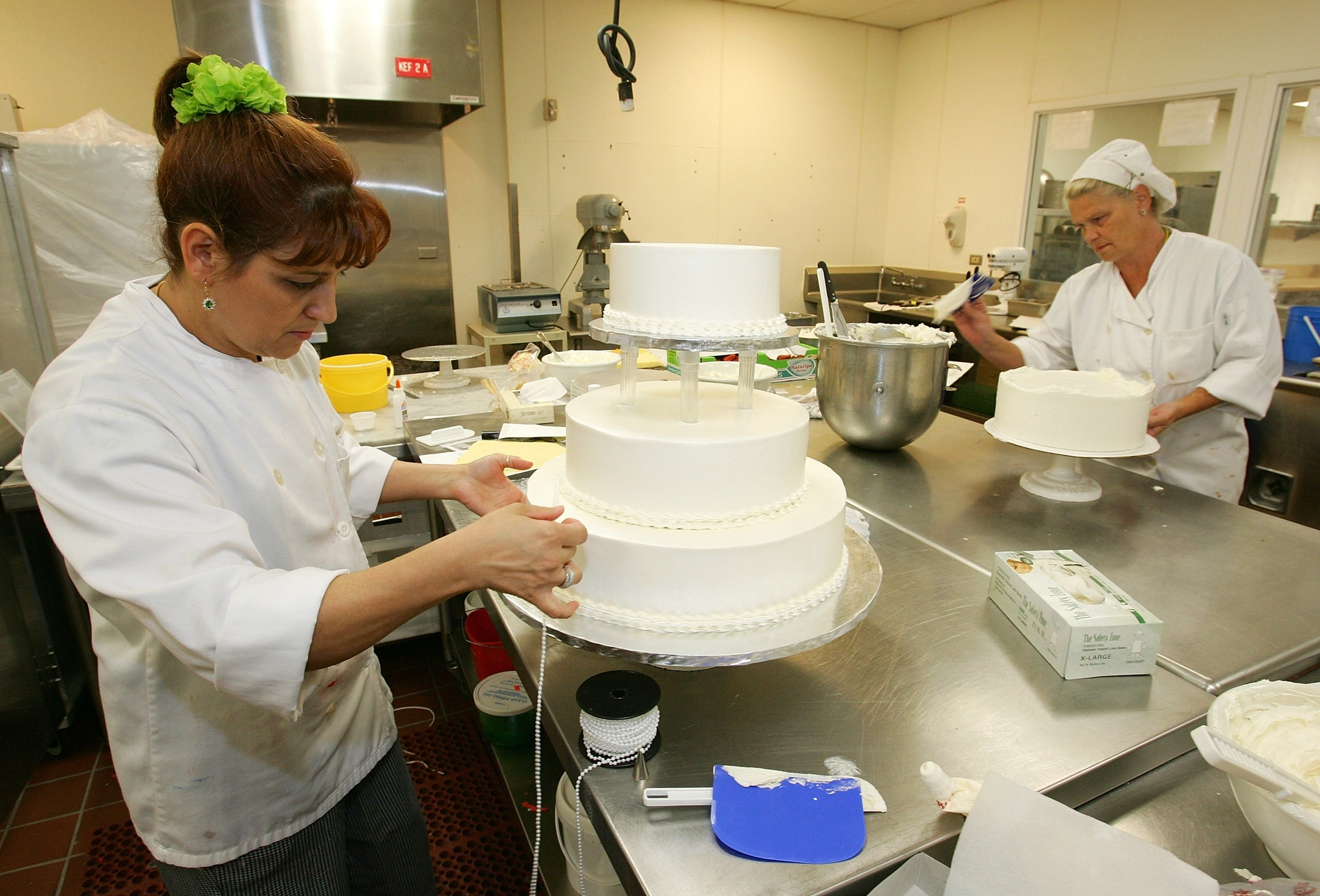 Cake Decorating Job Wages : Everything you need to know about the gender wage gap - Vox