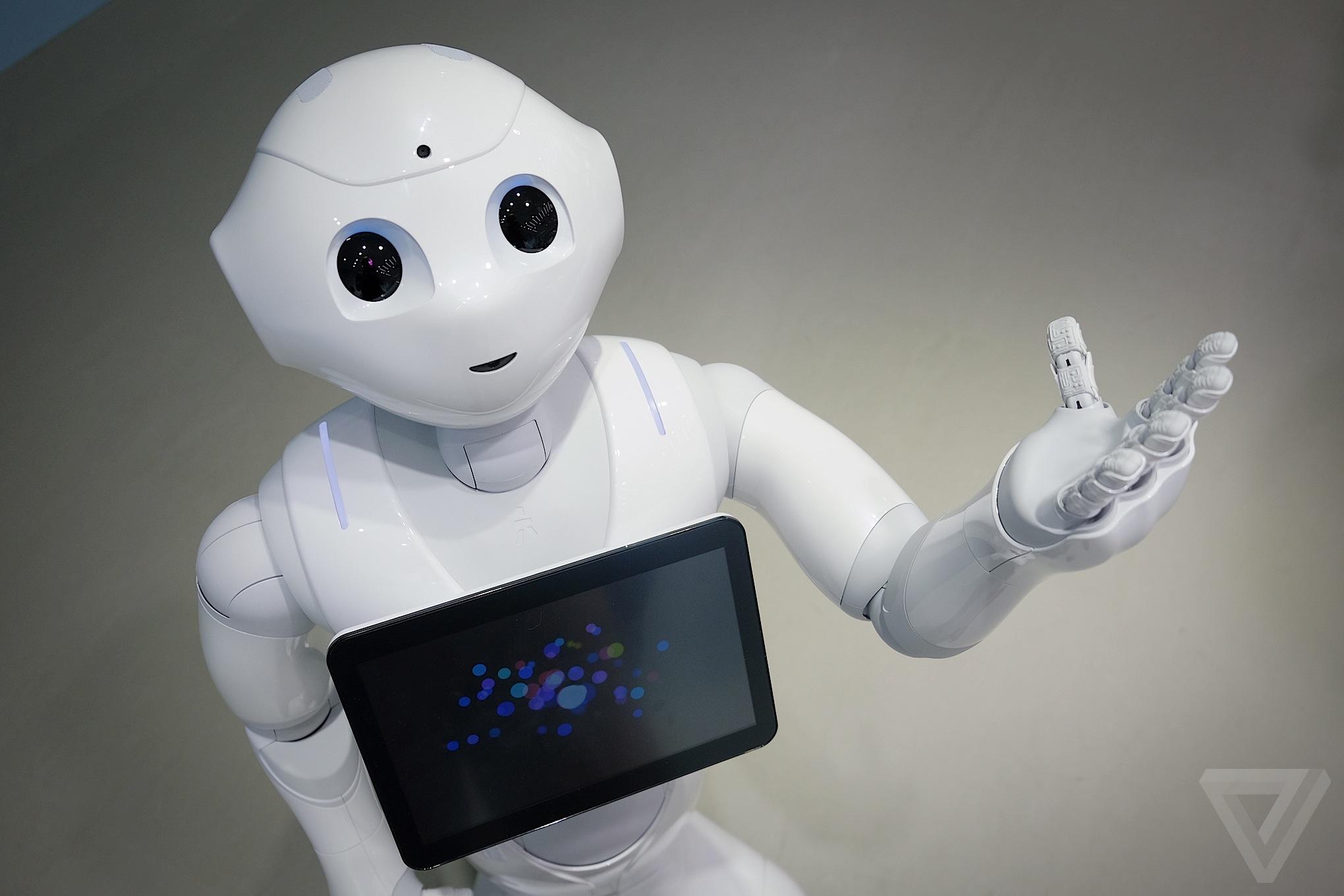 Япония выпускает роботов, распознающих человеческие эмоции