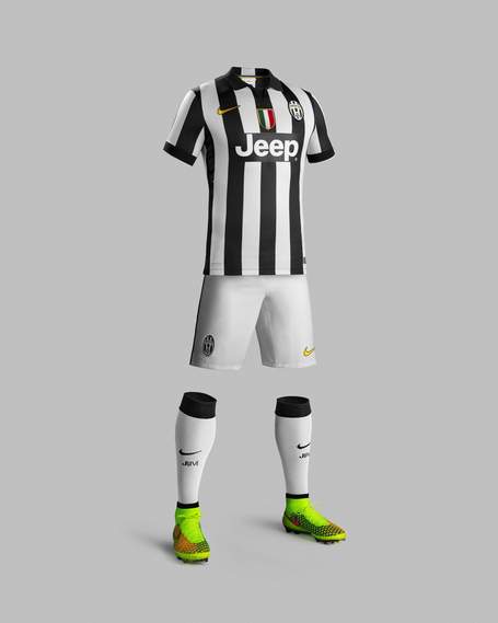 Su14_match_juventus_pr_h_full_body_r_original_medium