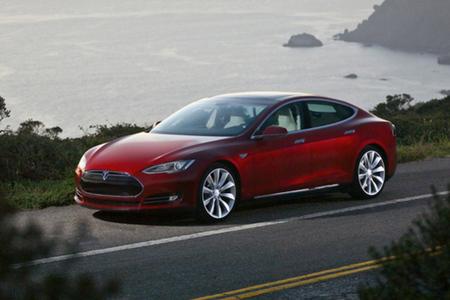 Tesla Model S press 640