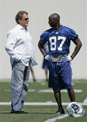 46014_colts_practice_football