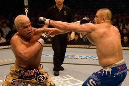 Chuck_liddell_vs_tito_ortiz_ufc-vancouver.jpg.pagespeed.ce.x9pexqmgir