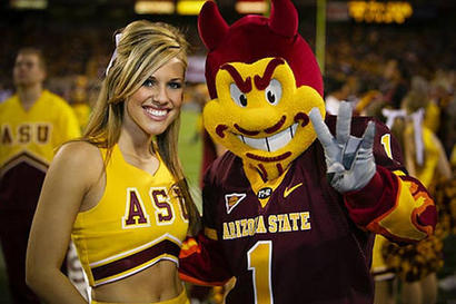 Arizona-state-cheerleader-sparky_1_