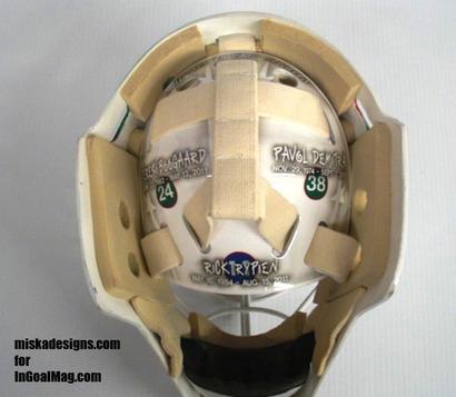 Wild_goalie_josh_hardings_mask_honors_hockeys_tragedies