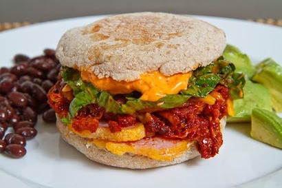 Peameal_bacon_and_kimchi_breakfast_muffin_500