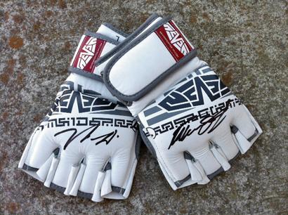 Seven_gloves