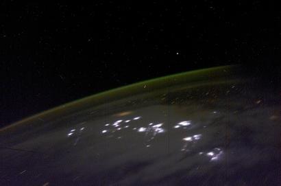 Gpw-20061026d-nasa-iss006-e-48196-space-aurora-australis-lightning-earth-20030423-medium