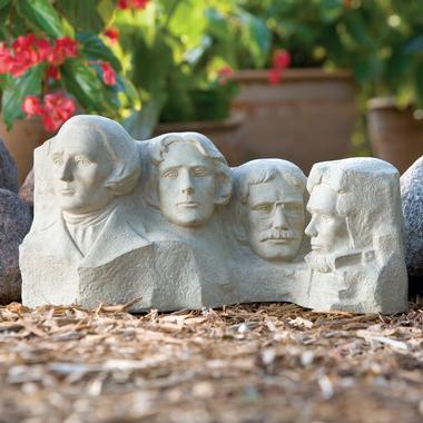 Mount Rushmore Garden Statue