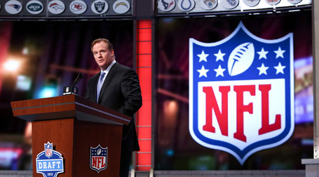 2014_nfl_draft_date_may_8_10_2014_2014_nfl_combine_roger_goodell_medium