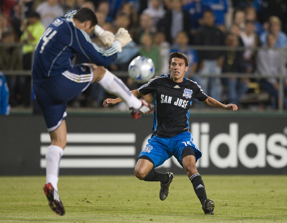 San Jose's Shea Salinas pressures FC Dallas goalkeeper Dario Sala. Photo: John Todd, centerlinesoccer.com, isiphotos.com