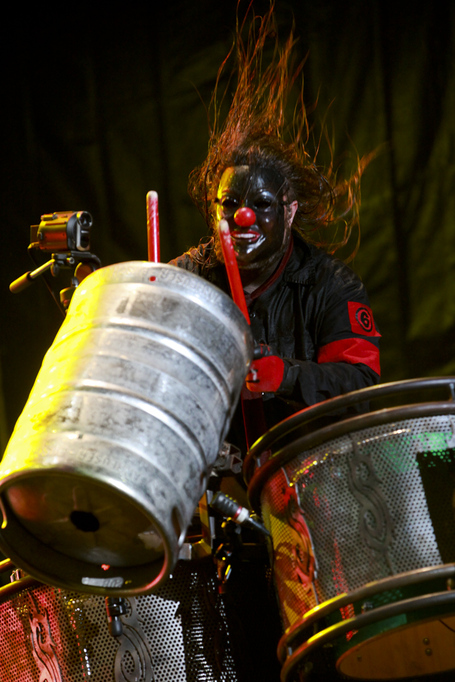 Shawn_crahan_of_slipknot_at_optimus_alive_festival_2009_medium