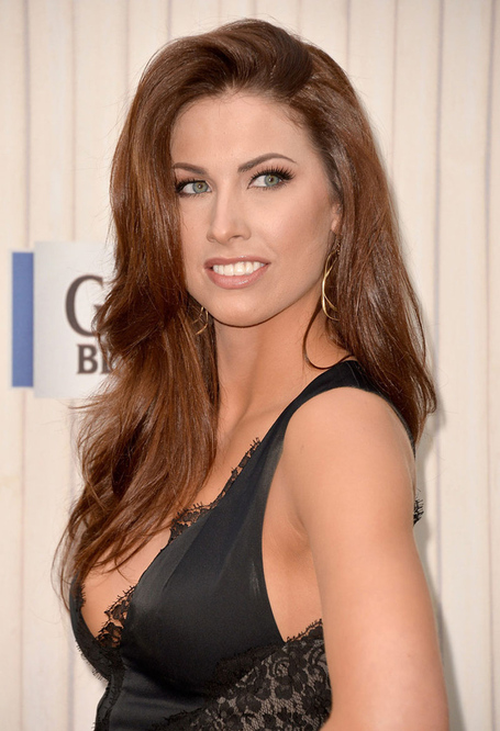 Katherine-webb-at-spike-tvs-guys-choice-awards-2013-in-culver-city-5_medium
