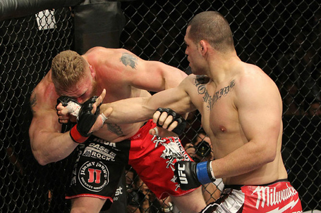 Ufc121_11_velasquez_vs_lesnar_002_medium
