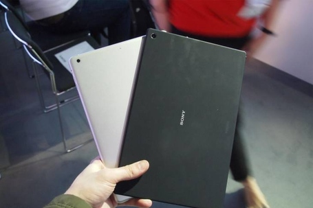Xperia-z2-tablet-vs.-ipad-air_medium