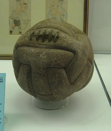 640px-1930_world_cup_final_ball_uruguay_medium
