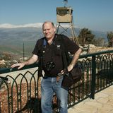 Lionel_at_misgav_am-_overlooking_mt