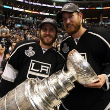 Mike_richards___jeff_carter_stanley_cup