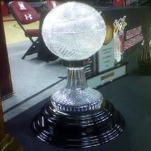 Gary-williams-championship-trophy-julie-parker_606