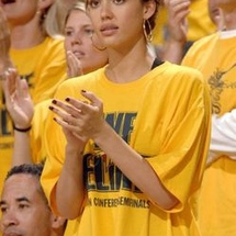 16normal_2007-jessica-alba-warriors-game_5-13_display_image