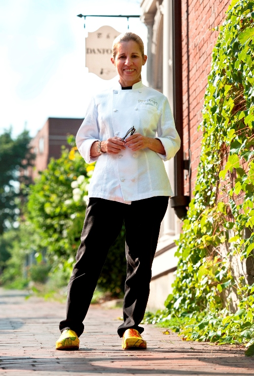 chef-carmen-gonzalez-2-photo-credit-ted-axelrod-e-mail-2.jpg
