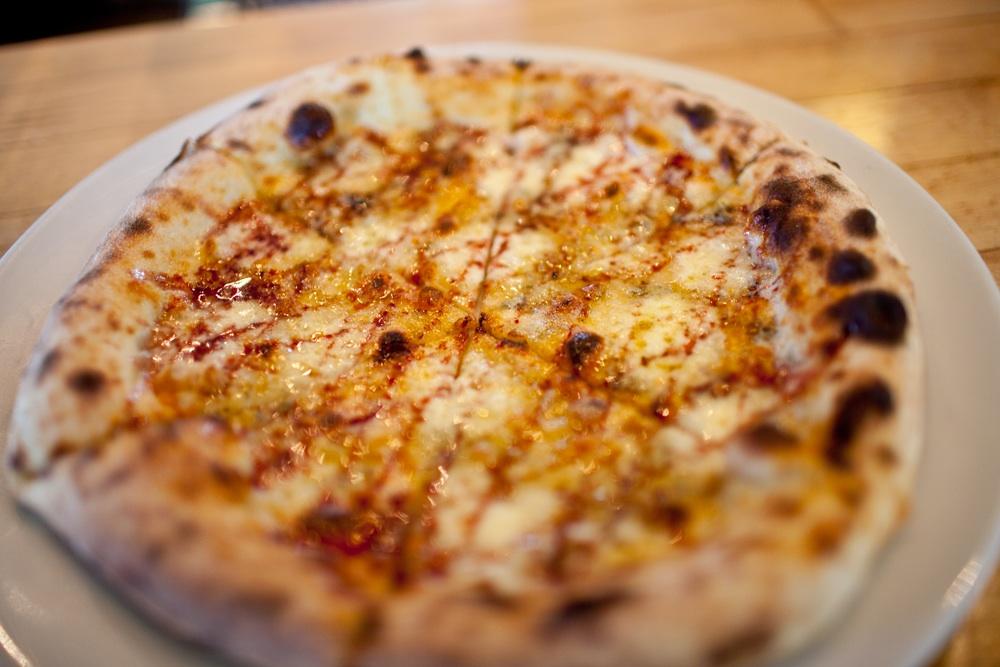 pizza_white.jpg