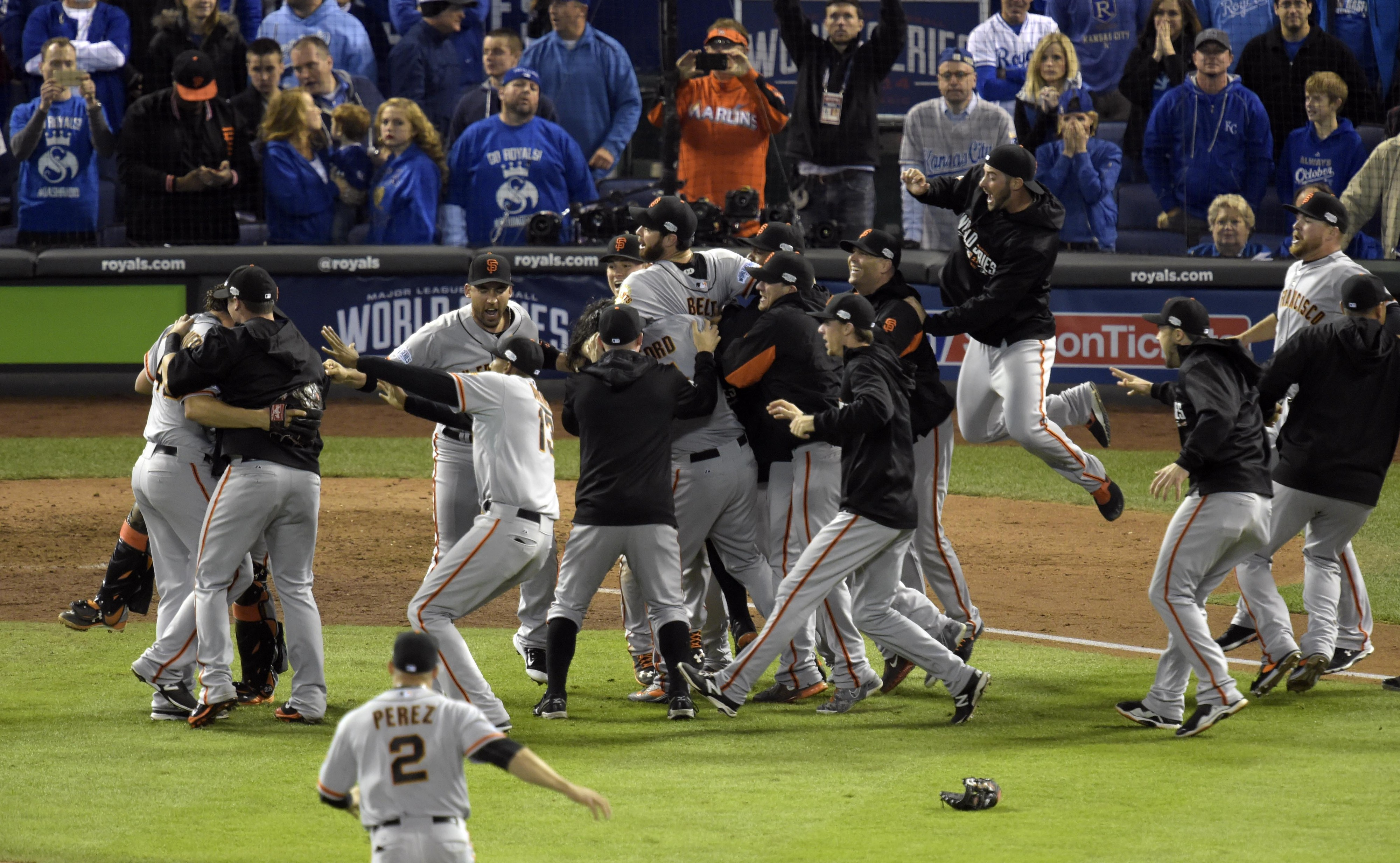 25 pictures of the Giants winning the 2014 World Series