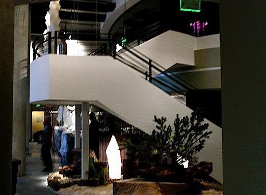 2007_11_yoshisstairs.jpg