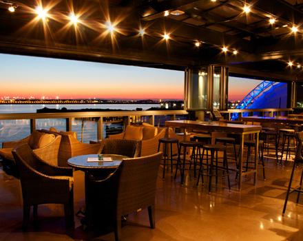 Legal_Harborside_Floor_3_Lounge_and_Bar_Sunrise.jpg
