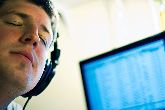 listen_to_music.0.jpg