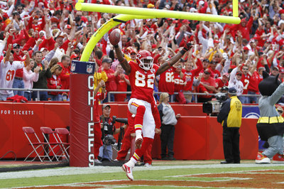 Drafting a WR or not, Chiefs offense still needs Dwayne Bowe