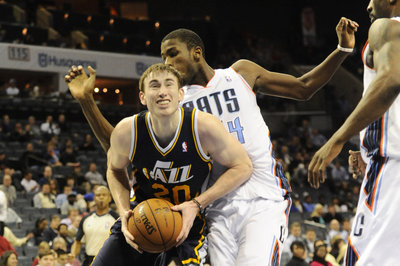 Gordon Hayward officially signs offer sheet as Hornets take big risk