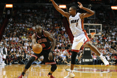 NBA Free Agency: Luol Deng signs with Miami Heat