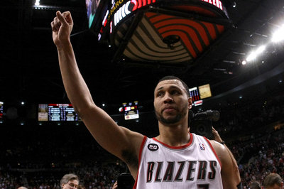 Blazer's Edge Roundtable: Should Blazers Retire Brandon Roy's No. 7 Jersey?