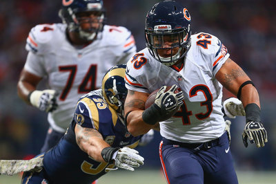 Chicago Bears re-sign Tony Fiammetta, add David Fales to Practice Squad
