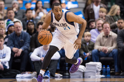 Lakers sign Wayne Ellington
