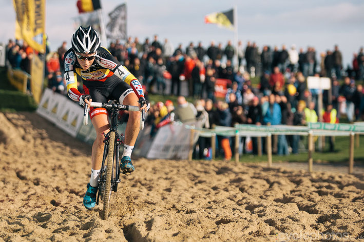 Photo: Sanne Cant in the sand of Ruddervoorde. - Balint Hamvas.