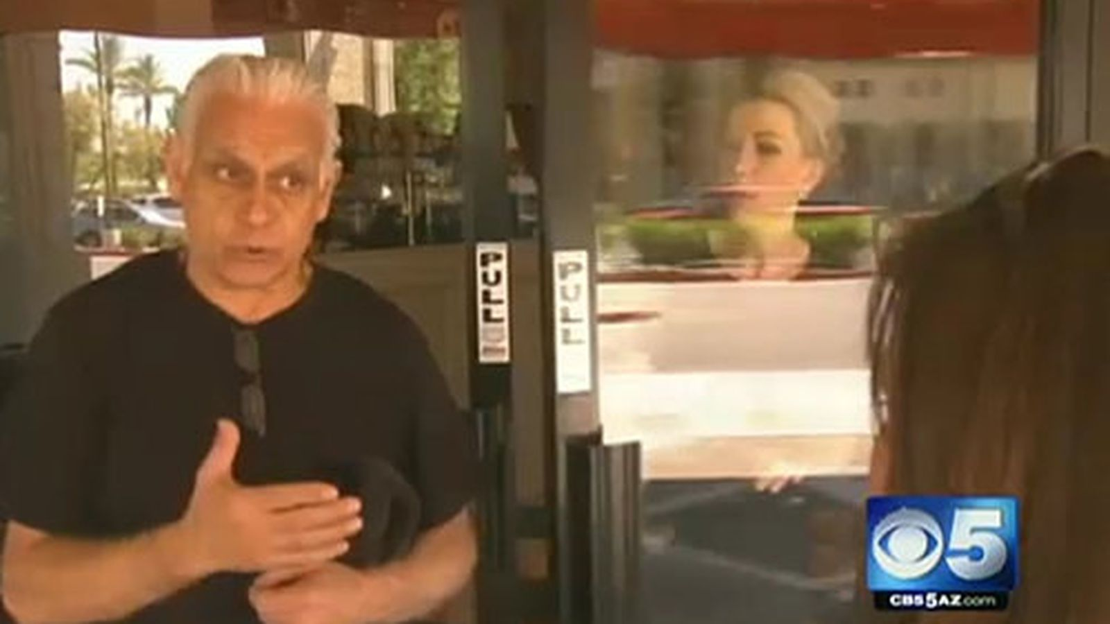 Here 39 s video of kitchen nightmares restaurant owners for Kitchen nightmares fake