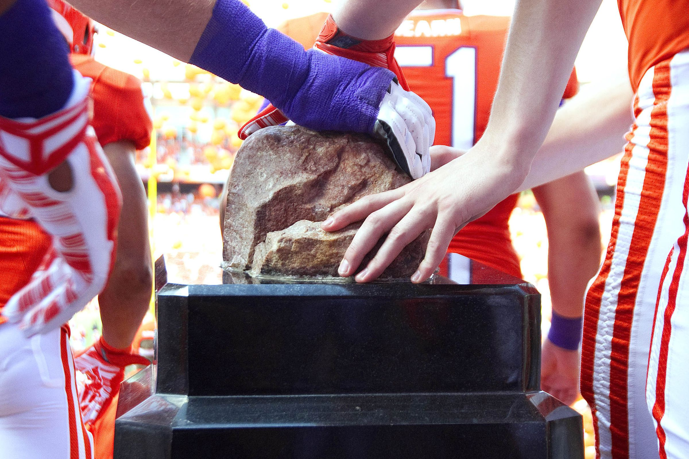 What time is the Heisman Trophy ceremony?