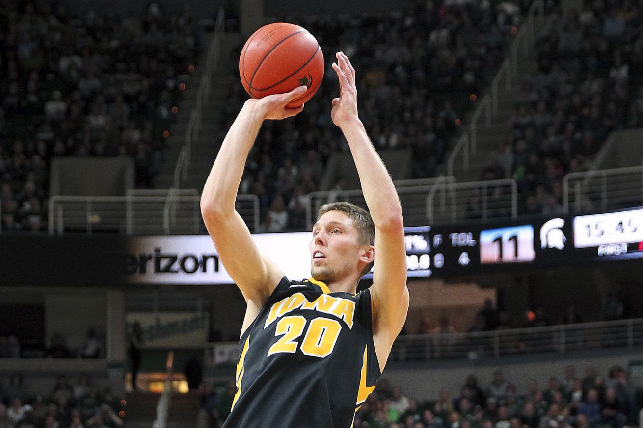 College basketball: Iowa battles past Rutgers