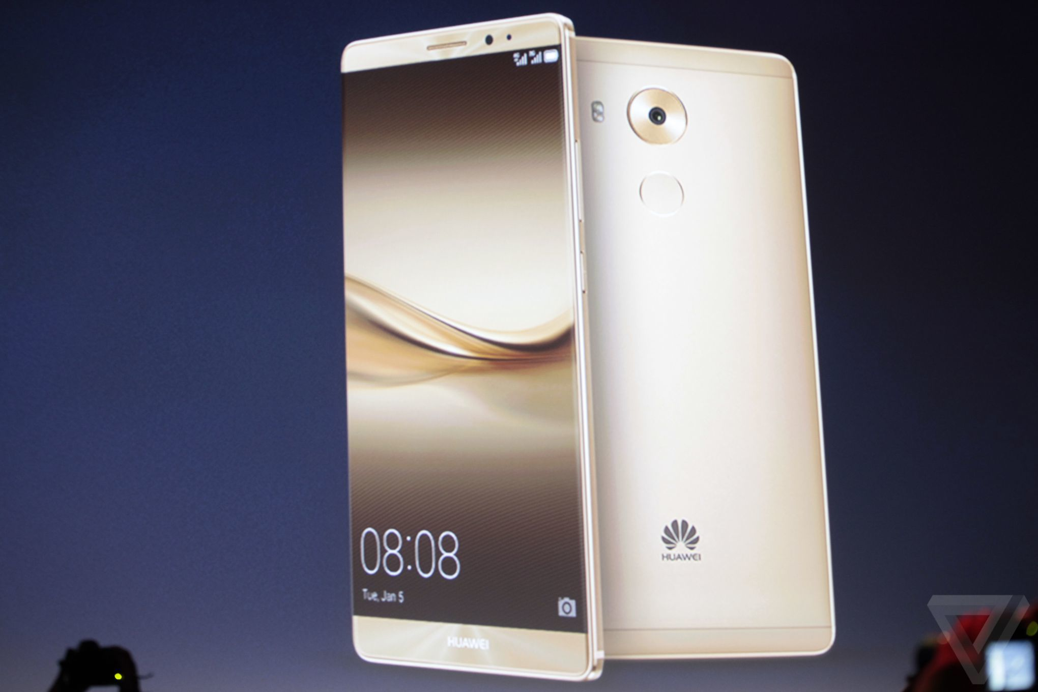 Huawei's Mate 8 flagship smartphone has fast charging ...