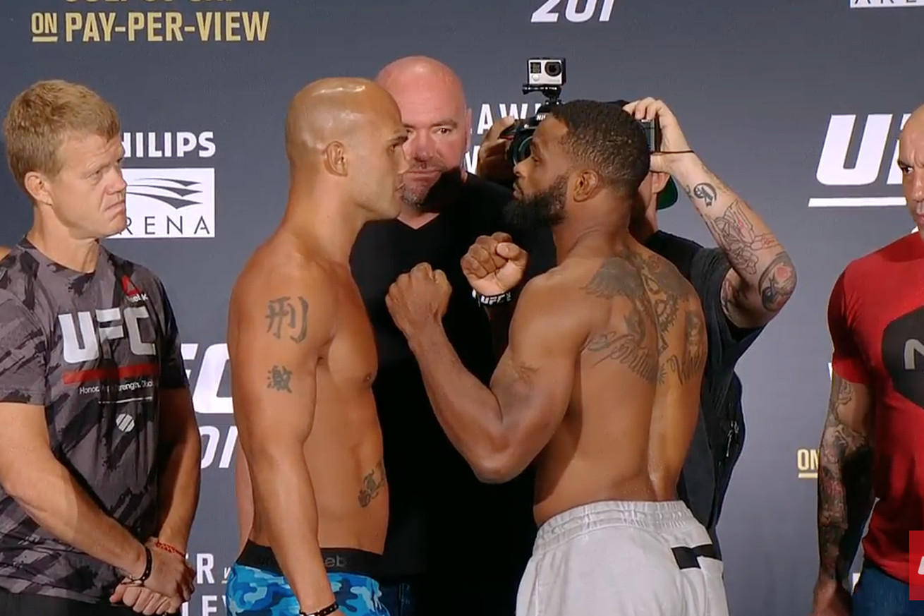 Robbie Lawler vs Tyron Woodley staredown pic, video from UFC 201 weigh ins