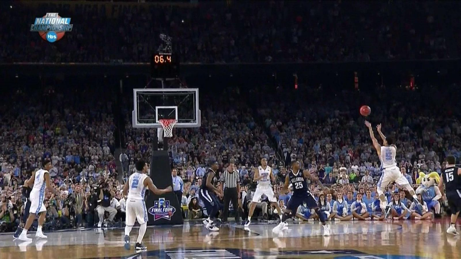 UNC's Marcus Paige hit a 1-footed, off-balance, double ...
