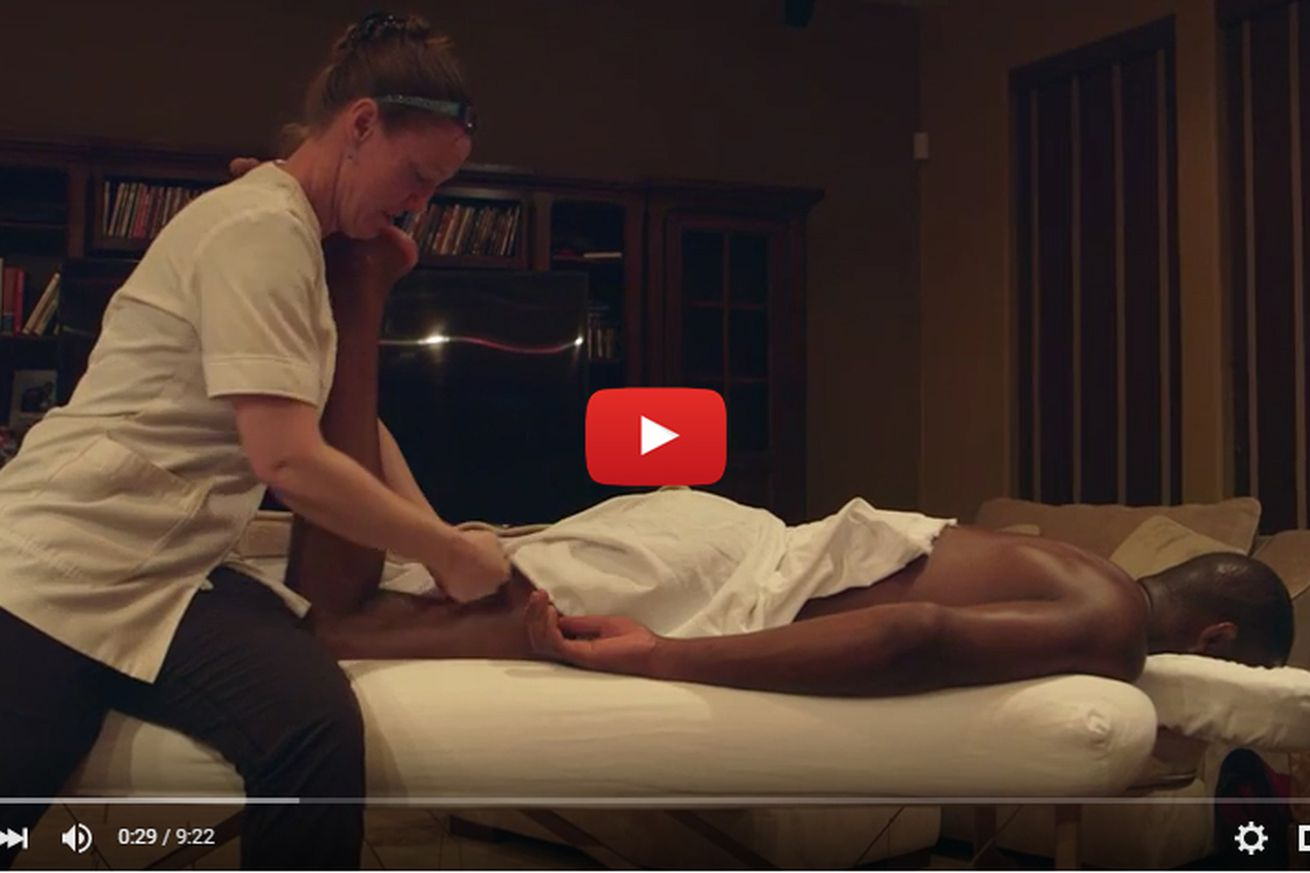 UFC 197 Embedded video, Ep. 2: Jon Jones gets massage, Demetrious Johnson does the dishes