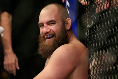Travis Browne confirms relationship with Ronda Rousey, denies false allegations of domestic abuse