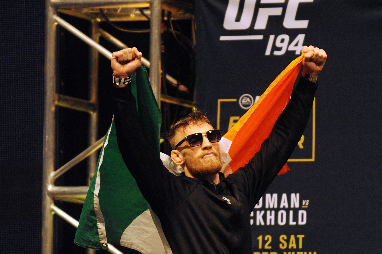 community news, UFC 202 video: Conor McGregors feud with WWE explained