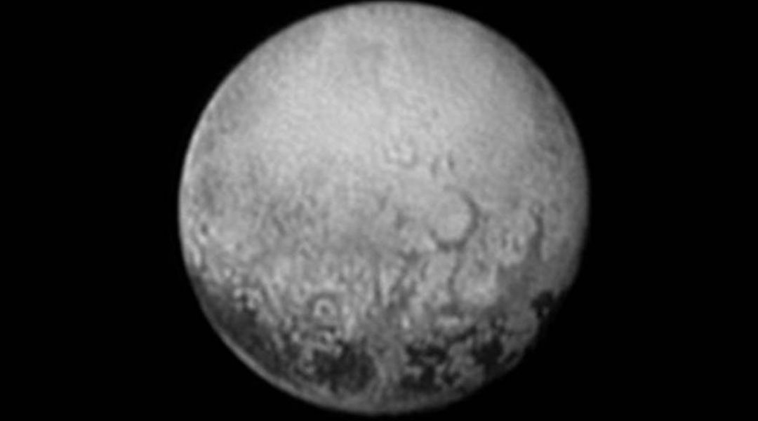 why pluto shouldnt be a planet Why isn't pluto a planet any more - duration: 3:32 spitzerjim 2,772,105 views 3:32 pluto could be made a planet again, along with 102 other celestial.
