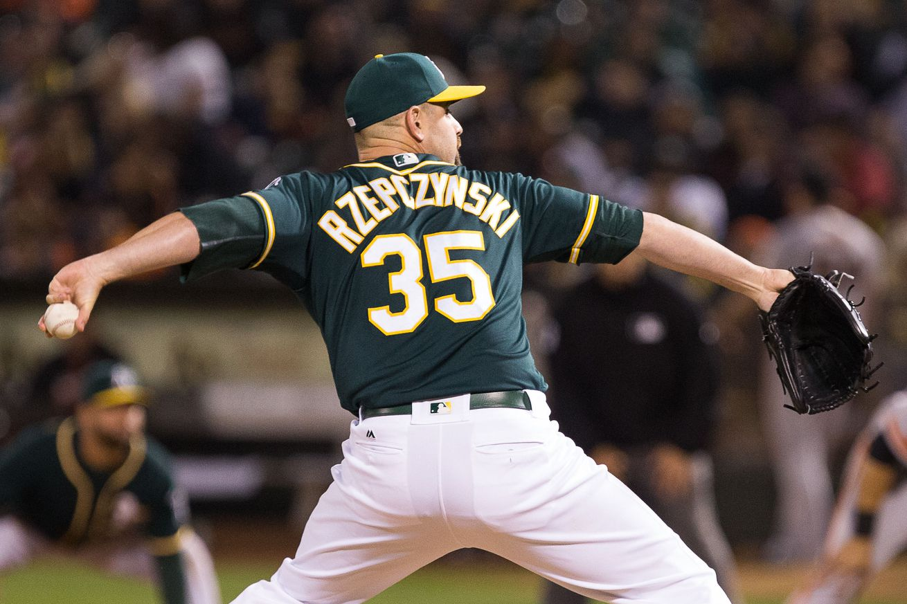 Nationals acquire lefty reliever Rzepczynski from Athletics