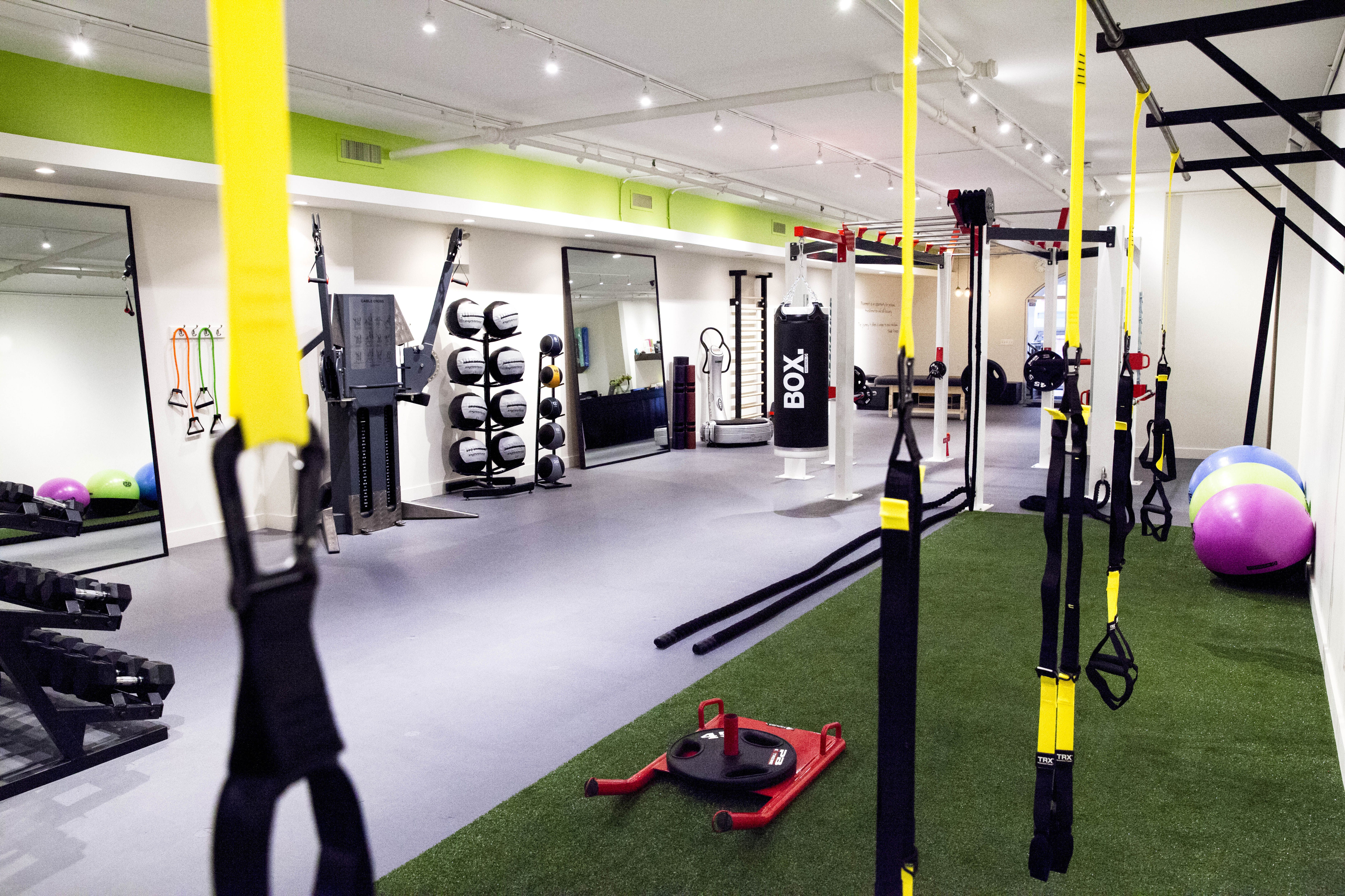 new york city 39 s best gyms and studios for personal training racked ny. Black Bedroom Furniture Sets. Home Design Ideas