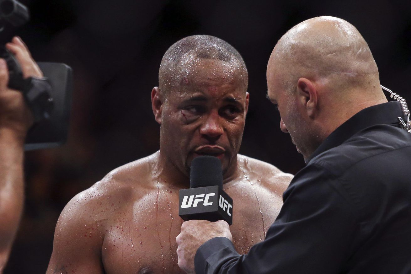 community news, Daniel Cormier issues apology for UFC 197 withdrawal